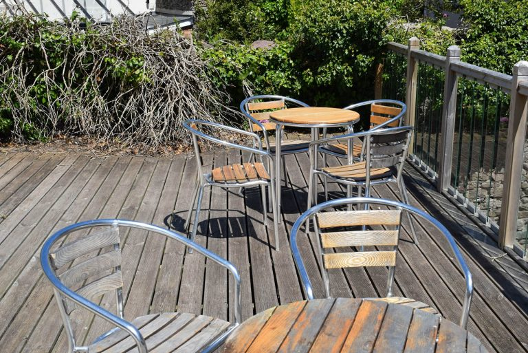 Harbourside property Dartmouth Outside decking area
