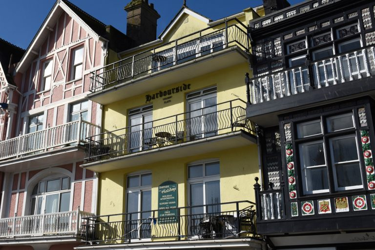 Dartside Holidays Harbourside Accommodation Exterior