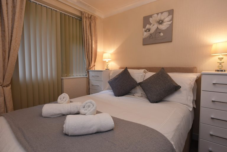 Dartside Holidays Property Accommodation Dartmouth Bedroom