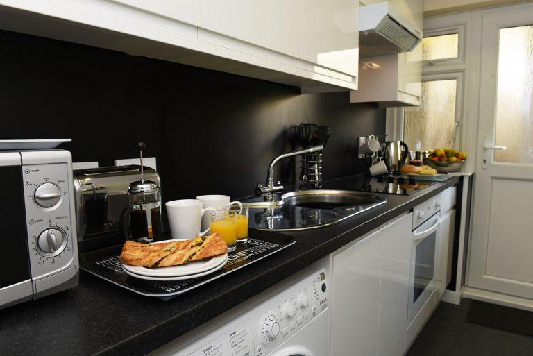 Dartside Holidays Property Accommodation Dartmouth Kitchen