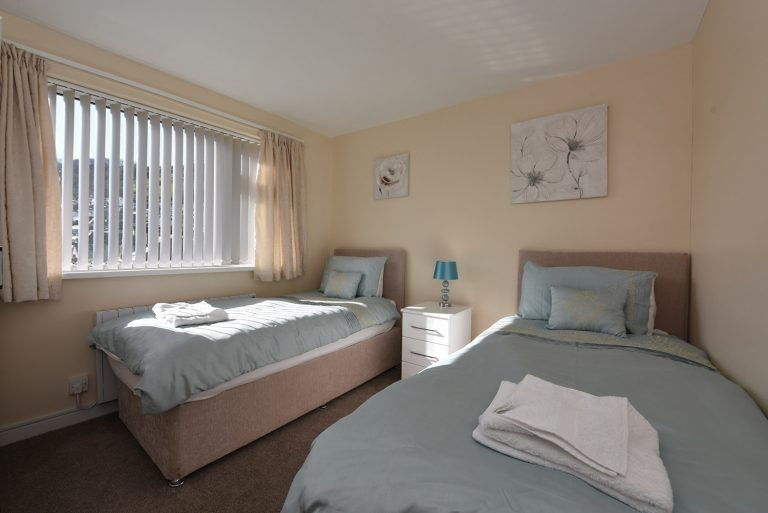 Dartside Holidays Riverside Bedroom Dartmouth