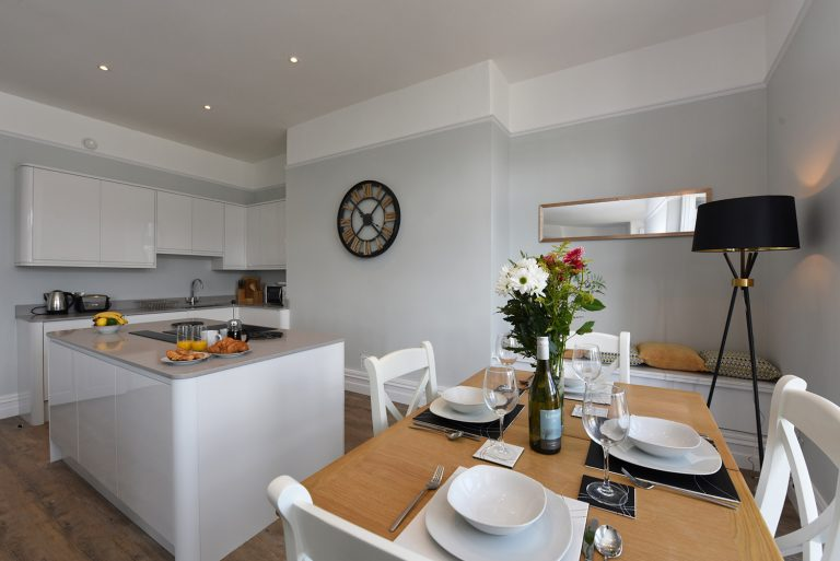 Dartside Holidays The Angle Living Room Kitchen Accommodation Property Dartmouth